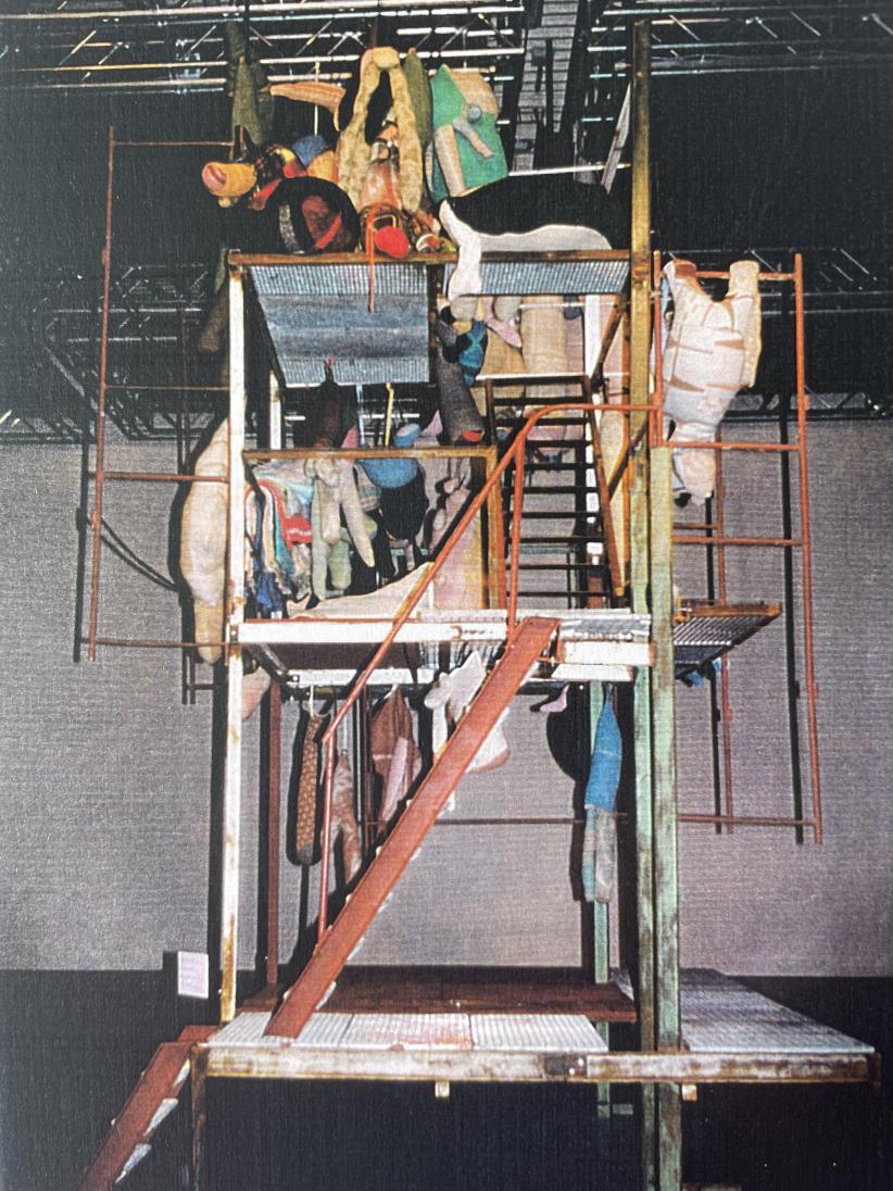 Berlinde De Bruyckere, Aaneen-gegroeid, 2001.